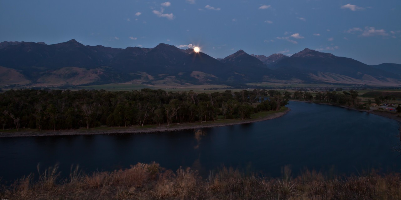 Full moon on Paradise Valley