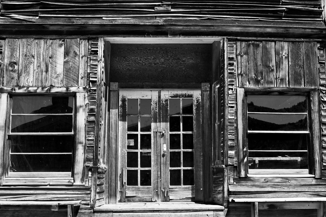 Bannack Saloon and Barbershop