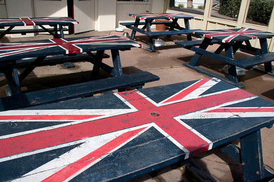 Outside the London Bridge Bar and Grill, these picnic tables continued the ambiance.