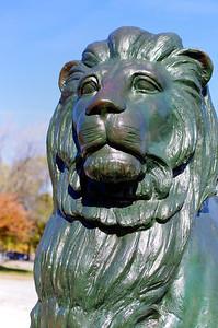 Lion du monument Jacques Cartier.
