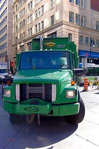 Le moindre camion est de taille XL pour nous.