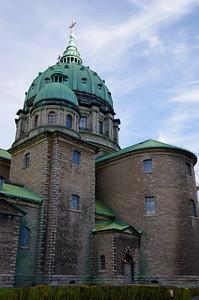 La Basilique-Cathédrale Marie-Reine-du-Monde date de 1894
