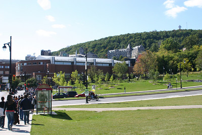 My first view of Mont Royal, the mountain in the middle of the city, which itself sits on an island.  A crowd was streaming into the lower part of the park. Discovered it was for some athletic event.