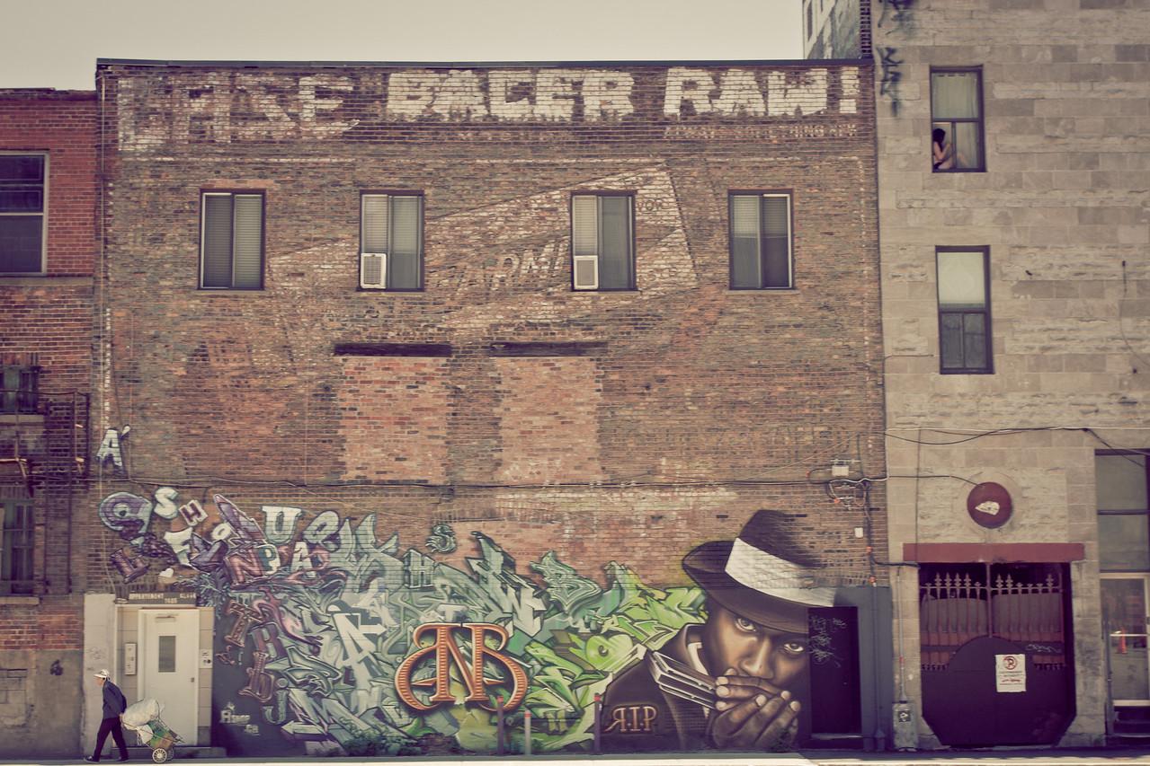 Grafitti near rue Sainte-Catherine