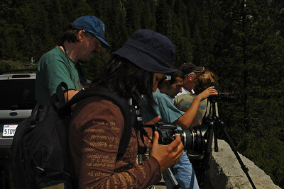 Alan, Suprada and Olivier working hard at noon to capture the valley pic