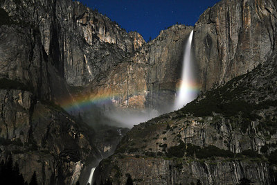 Moonbow on saturday night - in the middle of the Upper Yosemite falls. Here you can see the two ends of the moonbow
