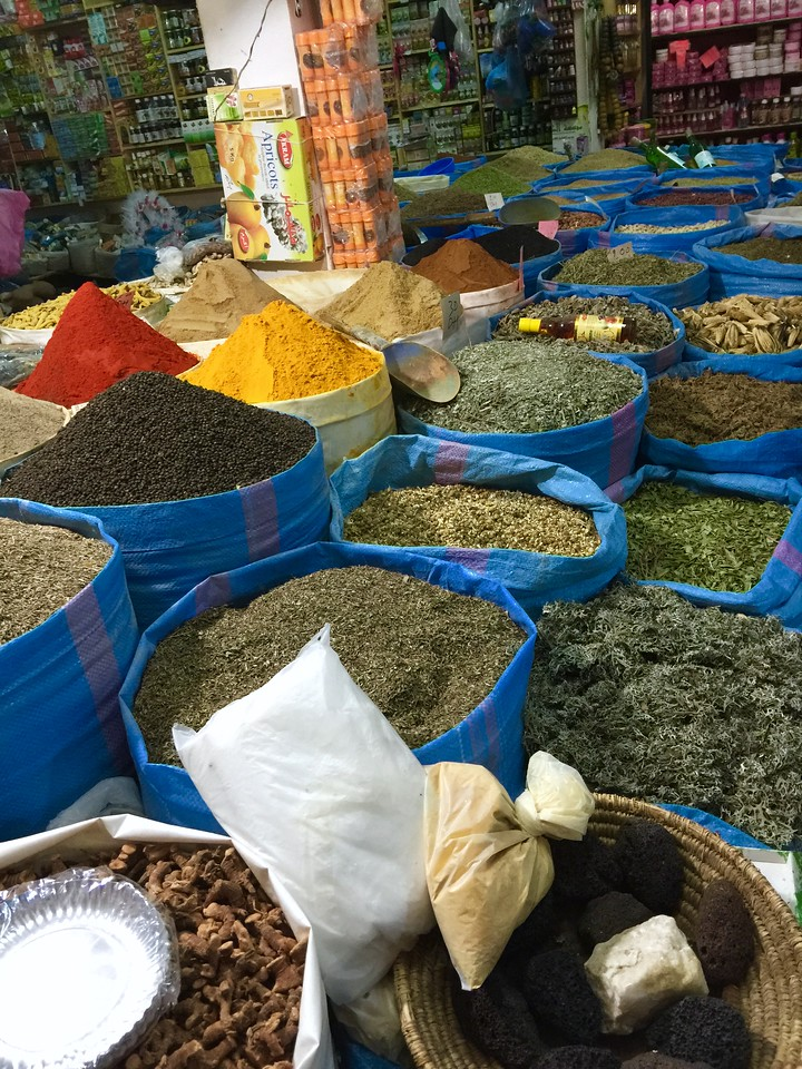So many spices!
