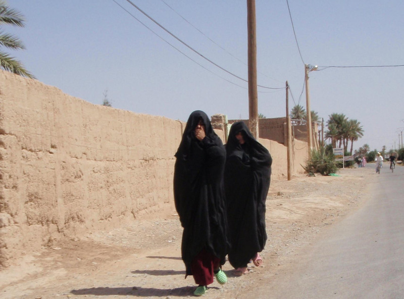 Tuoareg women won't wear the same bright clothing as the Berbers