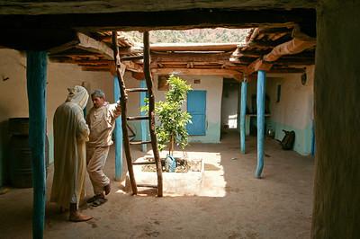 CAV25376 - Casa tipica berbera a base quadrata con patio