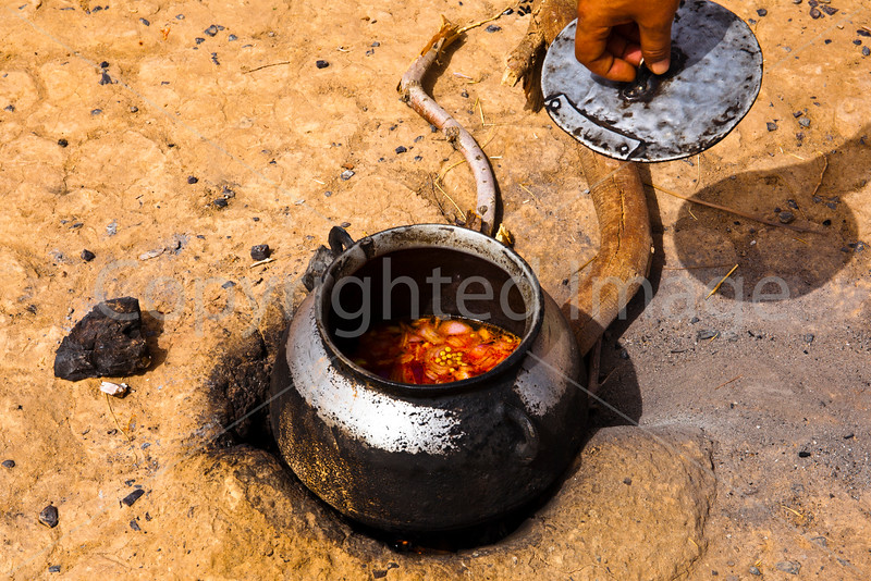 Nomad Camp-cooking pot