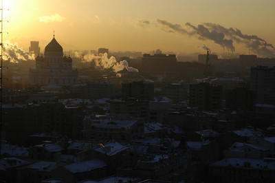arly morning in Moscow.  Some of those streams are from the huge stem plants that still provide centralized heating to parts of the city via huge pipes full of steam, which are often above ground.  Very old school, but very effective.  Buildings heated in this manner are certainly not cold in winter.  Too hot, mainly...until the steam stops running for some reason.