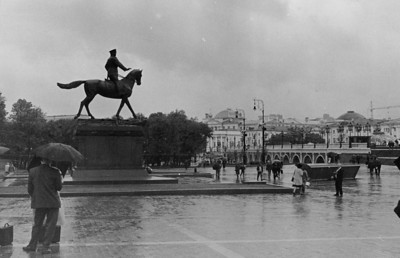 Marshall Zhukov on Manezhnaya Square.