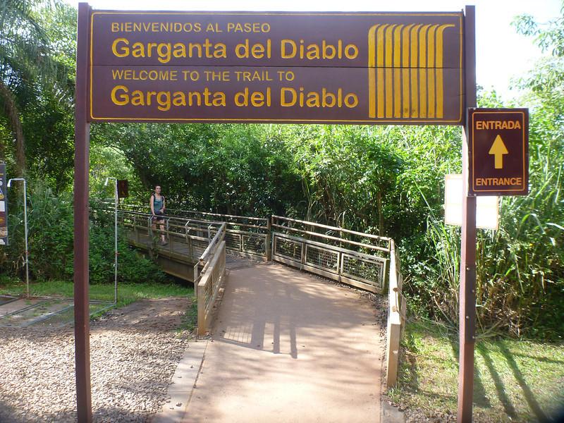 Entrance to the Devil's Throat  (Cataratas de Iguazú)