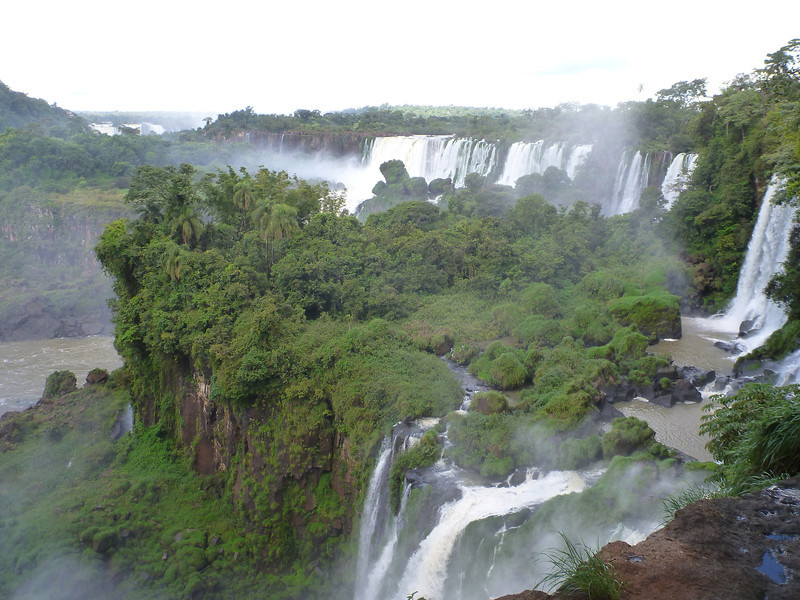 view of the Argentine side from the Argentine side  (Cataratas de Iguazú)