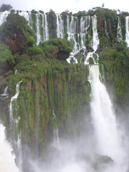 lots of green in with the water  (Cataratas de Iguazú)