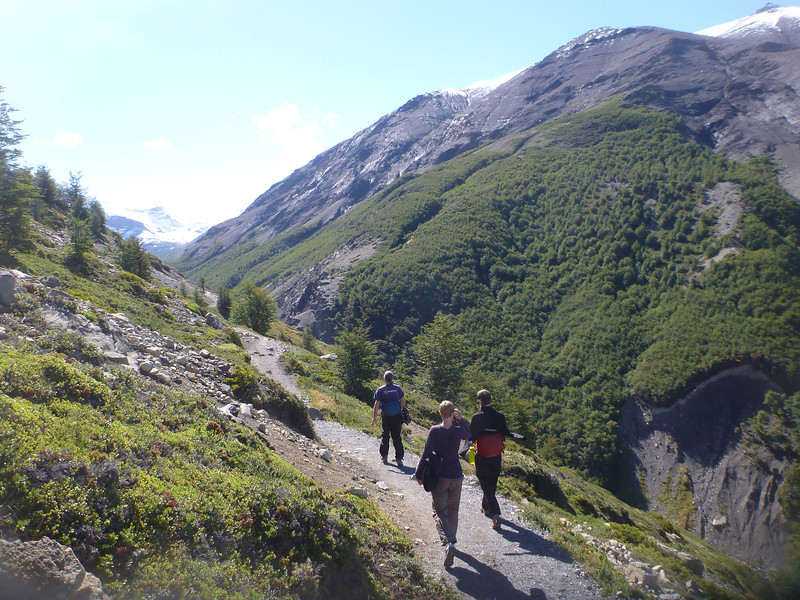 Jill, Christie and David walking the Valle Ascensio, Torres del Paine