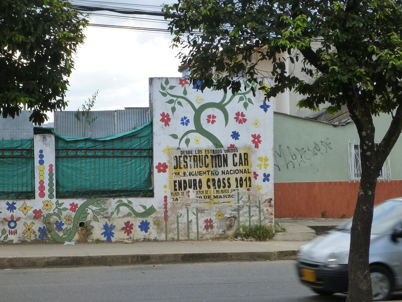 Advertisement for a demolition derby, direct from the United States, in  Bucamaranga, Colombia