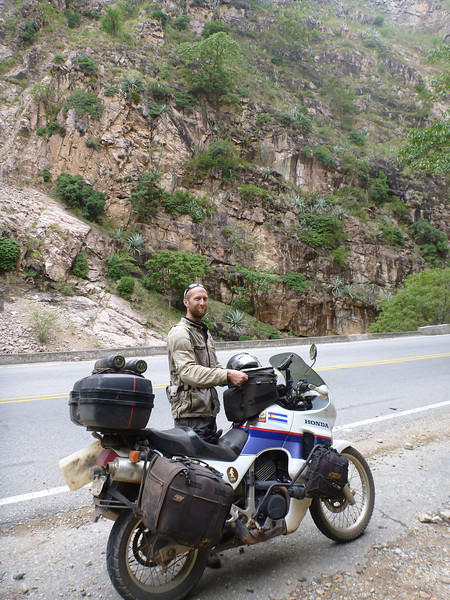 Mike and the bike on the way to San Gil, Colombia