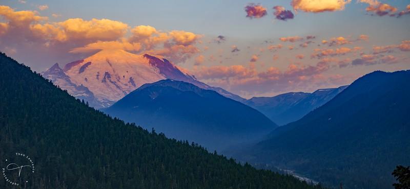 Mt Rainier Sunrise Vista