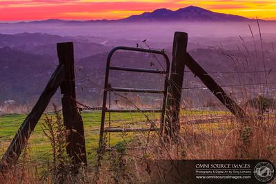 Tuyshtak (Mt_Diablo) Sun Gate. Saturday, Nov 3, 2012 at 7:29 AM. 2.0 seconds at f/22, ISO 50, 70mm.