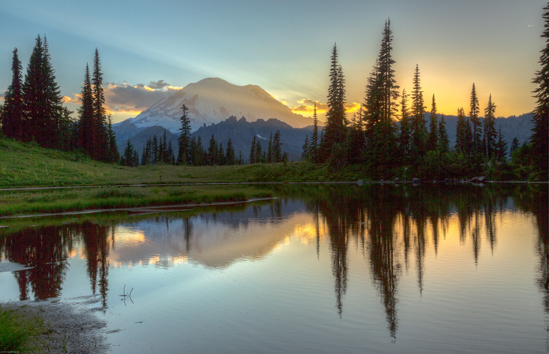 Sunset - Tipsoo Lake