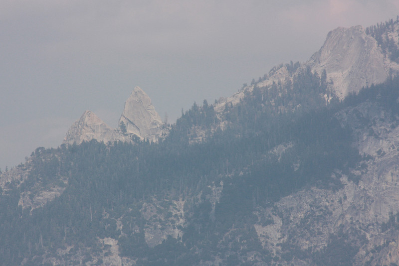 Hazy day in Kings Canyon - Yosemite fire