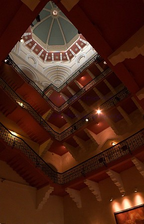 Mumbai Taj Mahal Hotel stairwell