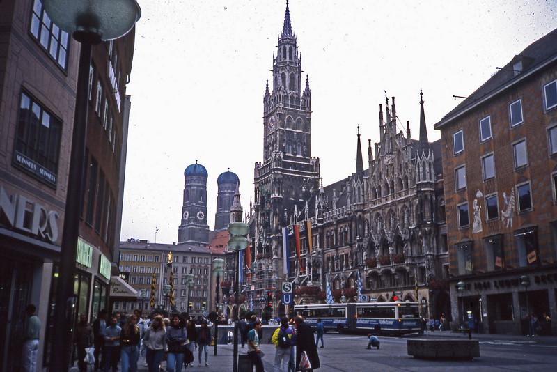 Munich central square