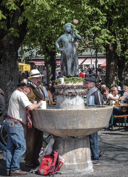 Viktualienmarkt, Beer Garden