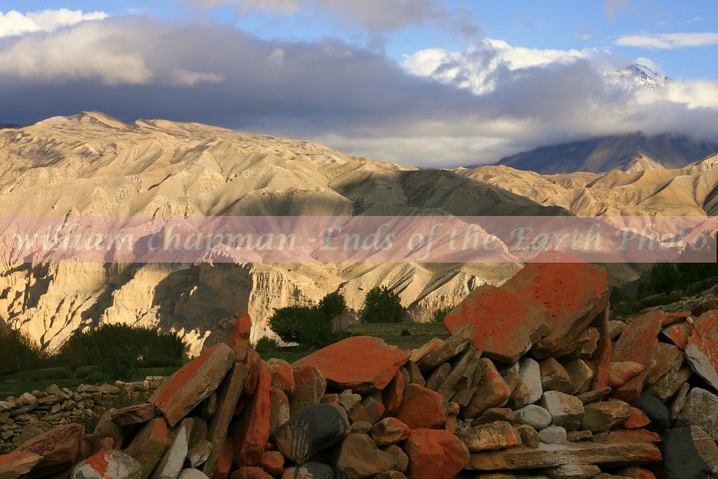 Approaching the village of Tsarang in upper Mustang