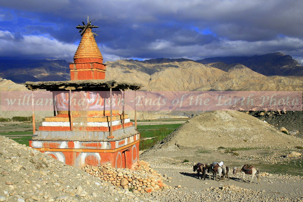 Entering village of Tsarang- Upper Mustang