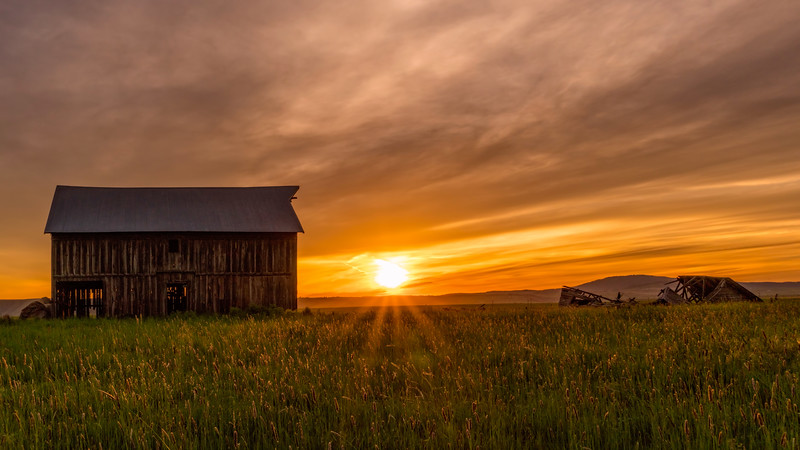 Barn Sunset