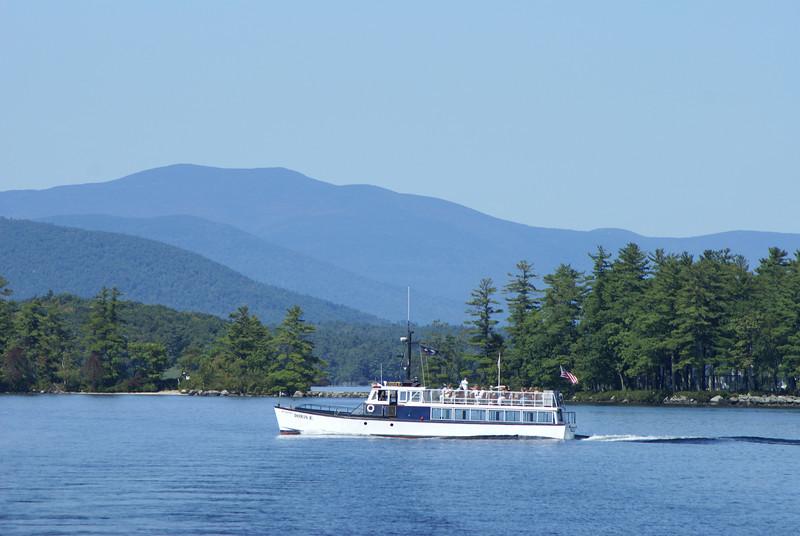 Doris E. boat trips on Lake Winnipesaukee