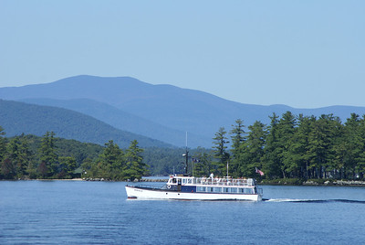 Doris E. boat trips on Lake Winnipesaukee