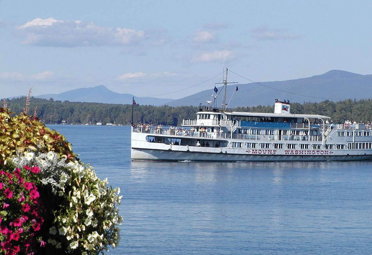 M/S Mount Washington on Lake Winnipesaukee, NH