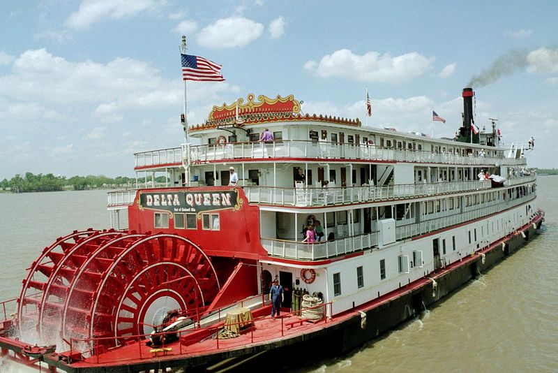 "March 2003 <a href=""http://adejoie.smugmug.com/gallery/115341_NzRLK"">Mississippi Steamboat Cruise</a>"