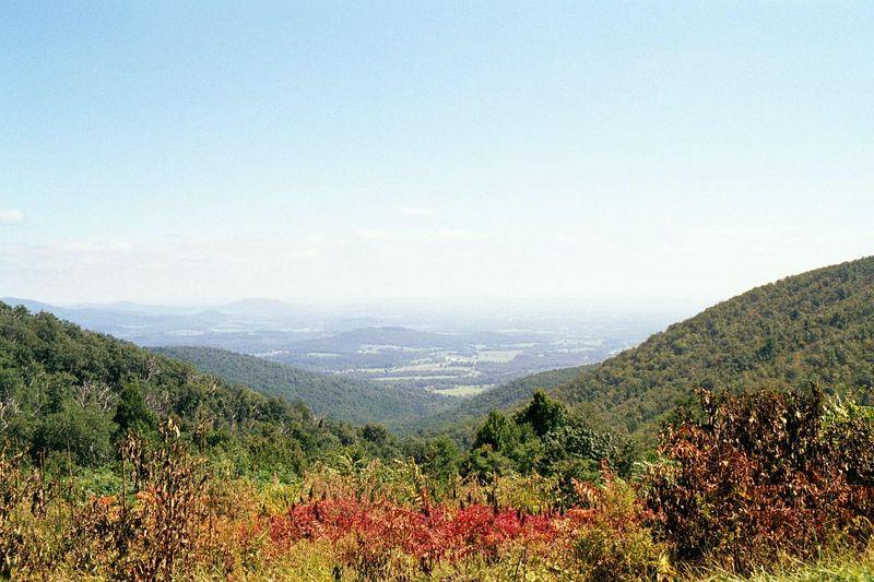 """September 2000 <a href=""""http://adejoie.smugmug.com/gallery/136370_fuDeC"""">Blue Ridge Mountains<br>Shenandoah Valley</a>"""