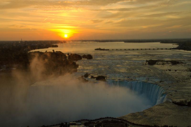 """October 2007 <a href=""""http://adejoie.smugmug.com/gallery/3686325_uGK4U"""">Niagara Falls</a>"""