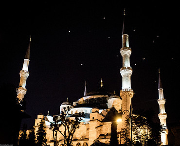 Sultan Ahmed Mosque (Blue Mosque) @ night..