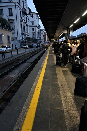 Train's coming in! Malpensa here we come!