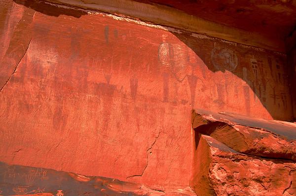 Courthouse Wash Petroglyphs & Pictographs, Moab, UT 7/13/08
