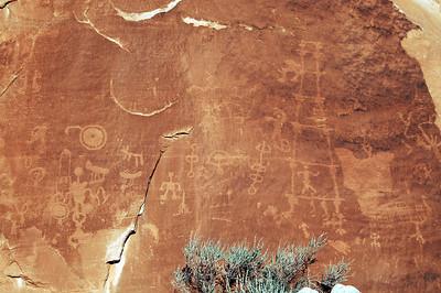 petroglyph-panel-bluff14