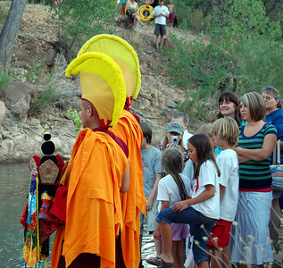 monks-mandala-release-ceremony122