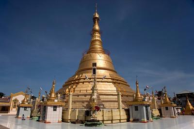 Botataung Paya in Yangon