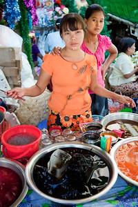 Yangon street vendors