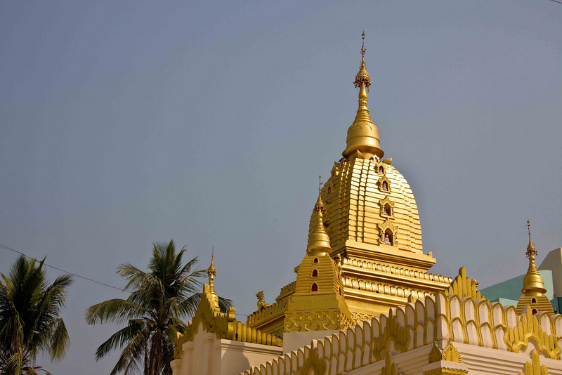 Sulay Paya Temple in the Heart of Yangon