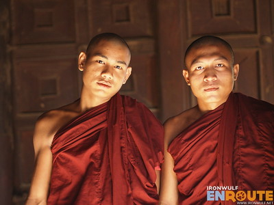 Shwe In Bin Kyaung, Teak Monastery Monks