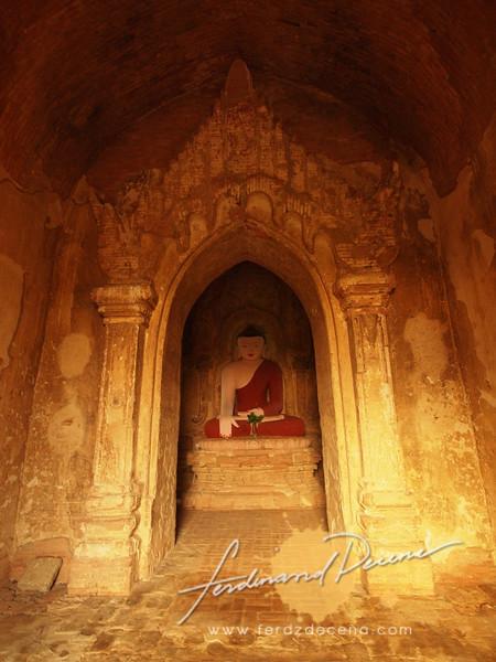 One of the Buddhas of Thetyapho Paya
