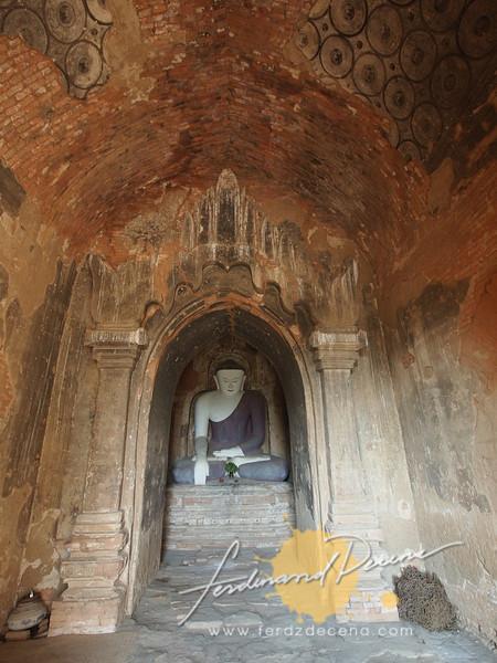 Gubyauknge Buddha and ceiling paintings