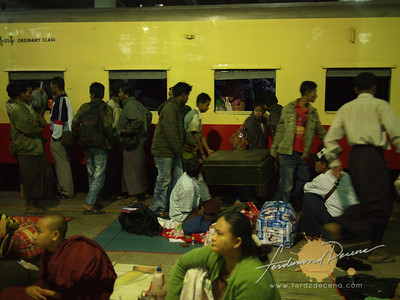 Train to Pyin U Lwin from Mandalay